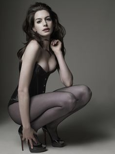 Anne Hathaway, Los Angeles, 2009. | 14 Jaw-Droppingly Gorgeous Celebrity Portraits