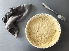 Glutenfree pie crust made from mashed chickpeas and a little almond flour only Easy Healthy Recipes, Raw Food Recipes, Healthy Snacks, Vegetarian Recipes, Dessert Recipes, Easy Meals, Desserts, Blog Food, Best Cooking Oil