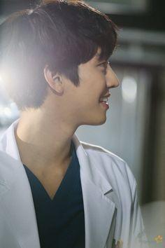 Drama Korea, Korean Drama, Asian Actors, Korean Actors, Kim Myungsoo, Kdrama, Ahn Hyo Seop, Romantic Doctor, Choi Jin Ho