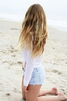 Perfect beachy hair: Barely-there textured waves and blonde highlights.