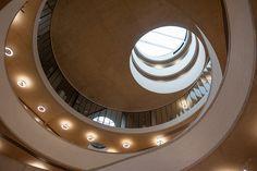 herzog & de meuron completes school of government building for oxford university