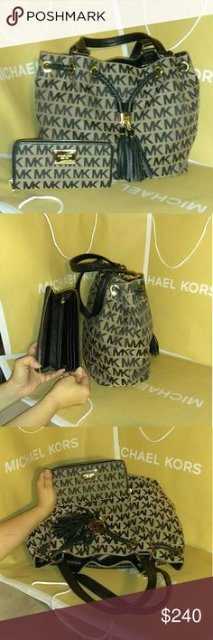 6cdd85d8804b37 Authentic MK gathered purse tote w/Matching wallet Michael kors gathered  shoulder bag handbag Used