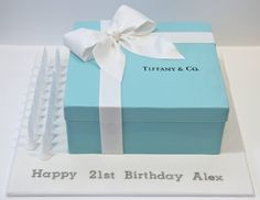 Tiffany & Co gift box cake | My first Tiffany's box. Kinda s… | Flickr