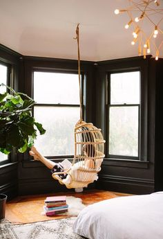 Photo via: Oh Happy Day Loving the hanging chair and black walls in this San Francisco apartment- See more here . My New Room, My Room, San Francisco Apartment, San Francisco Home, Black Walls, White Walls, Deco Design, Home And Deco, Dream Bedroom