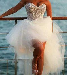 Beautiful bride dress !