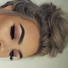 29 Gorgeous Eye Makeup Looks For Day And Evening - Gorgeous eye makeup
