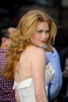 Mireille Enos Love her hair and hair color!