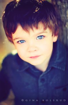 Need this shot of my sons big blue eyes Little Boy Photography, Children Photography, Photography Poses, Family Photography, Precious Children, Beautiful Children, Beautiful Babies, Cute Kids, Cute Babies