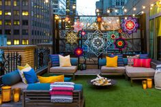 Summer in the city: W Hotel New York answer the prayers of tent-loving urbanites with glamping suite. W Hotel New York Glamping Suite W Hotel, Hotel New York, Outdoor Spaces, Outdoor Living, Outdoor Decor, Terrazas Chill Out, Go Glamping, Luxury Tents, Luxury Camping