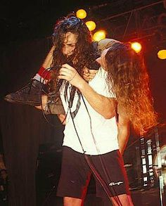 Temple of the Dog: Chris + Eddie messing around on stage