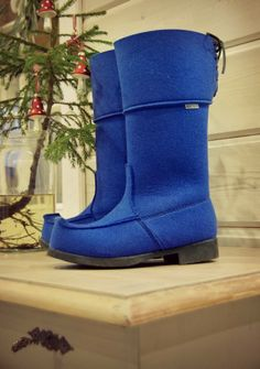 Tarja's Snowland / ARCTIPS Lappish felt wool boots, hand made in Finland / I just love my shoes...