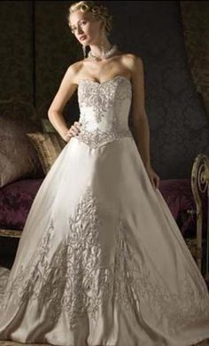 Christina Wu 5472 12: buy this dress for a fraction of the salon price on PreOwnedWeddingDresses.com