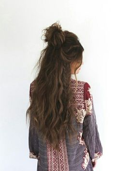 Half up top knot, with mermaid waves. Such a summer vibe.