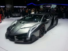 Lamborghini | Geneva Live – Lamborghini Veneno LP 750-4 intimidates the crowd