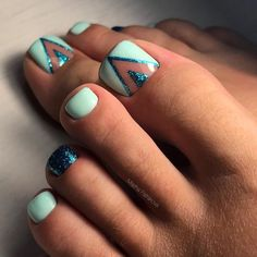 Geometric Nail Art for Toes design Nail Designs For Toes That Will Make You Feel Zen ❤️ See more: naildesignsjourna. Toenail Art Designs, Pedicure Nail Designs, Pedicure Nail Art, Pedicure Ideas, Nail Designs For Toes, Gel Nail, Uv Gel, Pretty Toe Nails, Cute Toe Nails