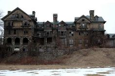 creepy old mansion ruin abandoned wasted Spukhaus ruine geisterhaus haunted house bennett college Halcyon Hall Abandoned Buildings, Old Buildings, Abandoned Places, Abandoned Castles, Spooky House, Creepy Houses, Haunted Houses, Haunted Mansion, Luigi's Mansion