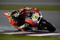 Andrea Iannone Qatar test 2015