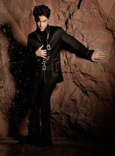 Pics: Prince in black
