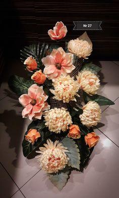 Kompozycja/florystyka nagrobna 2017 wyk. Sylwia Wołoszynek Floral Arrangements, Diy And Crafts, Floral Wreath, Wreaths, Flowers, Home Decor, Christmas Crafts, Blue Prints, Floral Crown