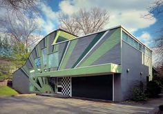 393. Robert Venturi & Denise Scott Brown /// Betty and Irving Abrams House /// Pittsburgh, Pennsylvania, USA /// 1979 OfHouses presents 'Venturi & Scott Brown in the 70′s'. (Photos: © Ezra...