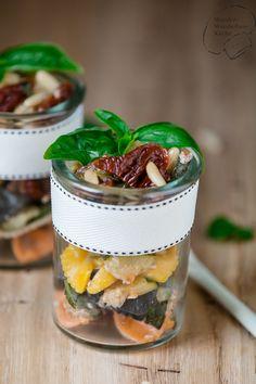 Wonder Wunderbare Küche: Nudelsalat mit Zucchini und getrockneten Tomaten u...