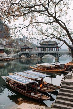 Phượng Hoàng cổ trấn FengHuang