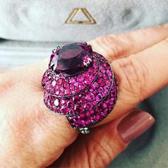 @jillnewman.   This ring reminds me of a fabulous layer cake topped with pink frosting. It's a serious spinel, pink sapphire and diamond one-off design @laurenadrianajewellery @leightonjewels @robbreport #laurenadriana