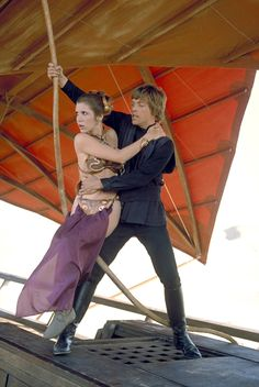 """Still of Carrie Fisher and Mark Hamill  in """"Star Wars Episode VI: Return of the Jedi"""" (1983)"""