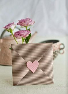 Quem é que não adora receber um presentinho? Principalmente quando épensado e elaborado especialmente para você? É muito amor envolvido!...