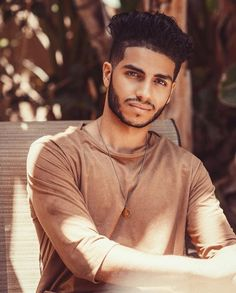 Mena Massoud the actor of Aladdin from Disney's live action movie, Aladdin Naomi Scott, Aladdin Live, Aladdin Cast, Watch Aladdin, Mena Massoud, Pleasing People, Bae, Aladdin And Jasmine, Hd Movies Online