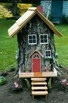 41 Cheap And Easy Backyard DIYs You Must Do This Summer   Tree stump on
