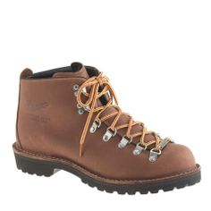 Danner® for J.Crew light timber boots   mens boots   mens hiking boots   fall/winter trend   mens style   mens fashion   menswear   wantering http://www.wantering.com/mens-clothing-item/danner-for-jcrew-light-timber-boots/afrtb/