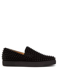 9ddd319260c715 CHRISTIAN LOUBOUTIN CHRISTIAN LOUBOUTIN - ROLLER BOAT SPIKE EMBELLISHED  SLIP ON TRAINERS - MENS - BLACK