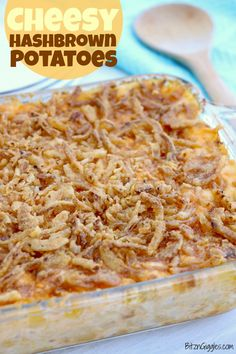 Cheesy Hashbrown Potatoes - Bitz & Giggles Cheesy Hashbrown Potatoes - Cheesy potato casserole topped with crunchy French fried onions! One of the best hash brown casserole recipes out there! Onion Casserole, Cheesy Hashbrown Casserole, Hash Brown Casserole, Casserole Recipes, Onion Recipes, Chef Recipes, Curry Recipes, Brunch Recipes, Cooking Recipes
