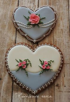 Valentine Heart for Grandma, pastel blue, ivory, pink roses, pearls, lace, by Piernikowe Serca