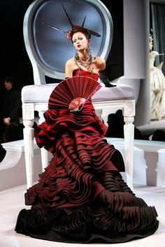 Galliano Haute Couture | Dior Haute Couture 2007 by Galliano. Source: theberry.com