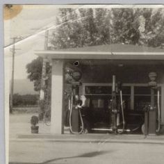 Cupertino's first service station, built by Charlie Baer, 1922 :: Silicon Valley History Online