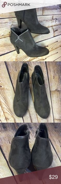 "SZ 10 WIDE PREDICTIONS GRAY BOOTIES Nice pair of gray BOOTIES in a faux suede fabric with patent trim at the ankle. 4"" heel Predictions Shoes Ankle Boots & Booties"