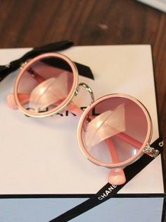 Image via We Heart It #accesories #chanel #glasses #pink
