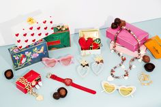 Cool Heart Accessories You Can Buy Now and Wear Forever Man Repeller, Beauty Awards, Spring Summer 2018, Buy Now, Heart Shapes, Gift Wrapping, Style Inspiration, My Style, Holiday Decor