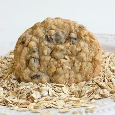 The Best Damn Lactation Cookies You'll Ever Eat {NOTE: Ingredient list fails to list 2 eggs, but the recipe calls for it. So add 2 eggs to the ingredient list!} Oatmeal cookies really works! Köstliche Desserts, Delicious Desserts, Dessert Recipes, Yummy Food, Delicious Cookies, Healthy Cookies, Baby Food Recipes, Cookie Recipes, Yummy Treats