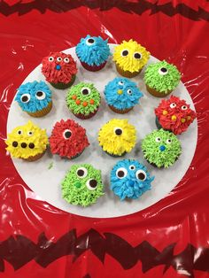 Made these monster cupcakes for 1 year old birthday.  So easy.