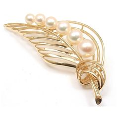Pre-owned Mikimoto Vintage 14K Yellow Gold Pearl Leaf Brooch Pin ($2,000) ❤ liked on Polyvore featuring jewelry, brooches, pearl broach, vintage broach, gold leaf brooch, vintage jewellery and pin brooch