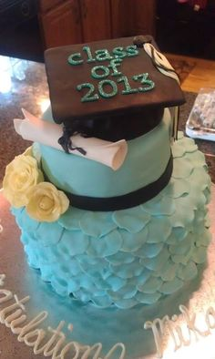 Grad Cake I did for my cousin! #Tiffany Blue