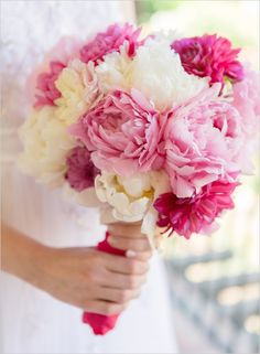Wedding Chicks :: 50 Blooming Beautiful Bouquets