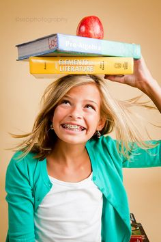 love this back to school photo! Gotta get Lyd to pose for her back to school photo.