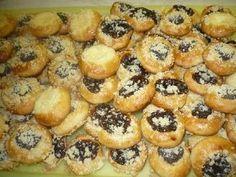 Hrníčkové svatební koláčky Czech Desserts, Sweet Desserts, Baking Recipes, Dessert Recipes, Super Cookies, Czech Recipes, Bakery, Food And Drink, Appetizers