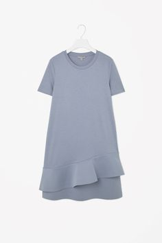 Dress with flared layer Simple Dresses, Casual Dresses, Summer Dresses, Knit Fashion, Fashion Wear, Sleeves Designs For Dresses, Dresses With Sleeves, Normcore, Girl Dress Patterns