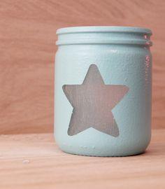 Partager Tweeter Épingler E-mail Voici une idée pour créer de jolies lanternes photophore en recyclant les pots en verre. Matériel nécessaire : un pot ...