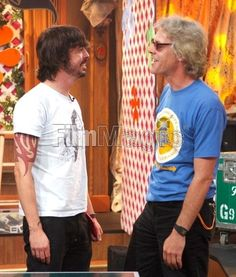 Dave Grohl & Stewart Copeland.......awesome! The Sky Tonight, Chris Shiflett, There Goes My Hero, Foo Fighters Dave Grohl, Rock News, Music Love, Music Is Life, Drum Kits, Noise Pollution